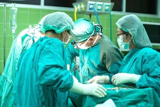 Chirurghi-e-Dottori