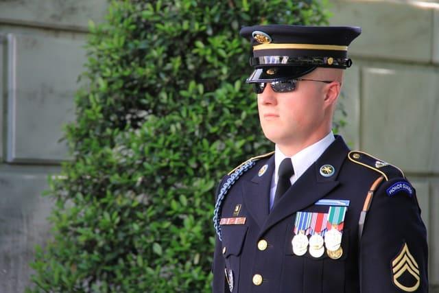 Ufficiale-militare
